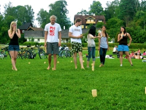 playing Kubb