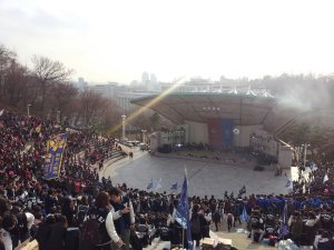 Full amphitheater for the Cheering Competition between Yonsei and a rival university