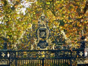 ​Regent's Park has gilded gates that caught my eye several times. ​