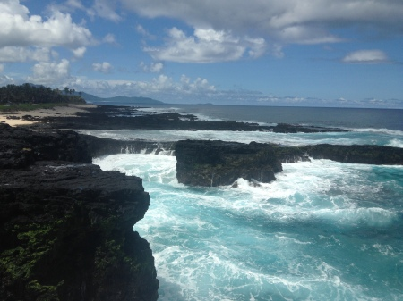 Searching for the turtle and shark at the cliffs of Vaitogi